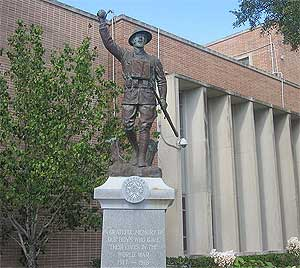 Soldier Statue at Angelina County Courthouse in Lufkin, photo by Billy Hathorn