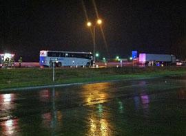18 wheeler crash into bus in waco, TX, 2011